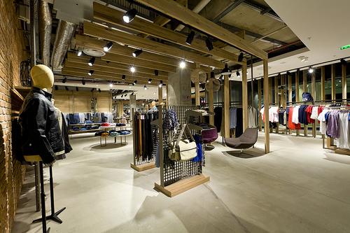 Boutique Pandora Paris Saint Lazare | IUCN Water